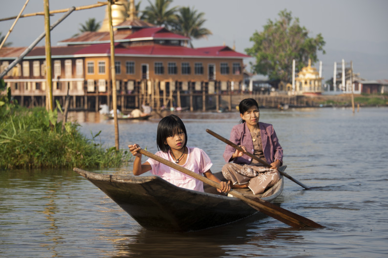Домой на лодке по озеру Инле, Мьянма