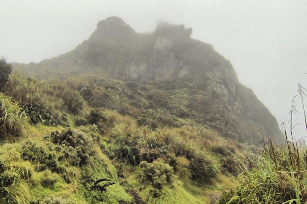 Последние метры до вершины горы Апо.