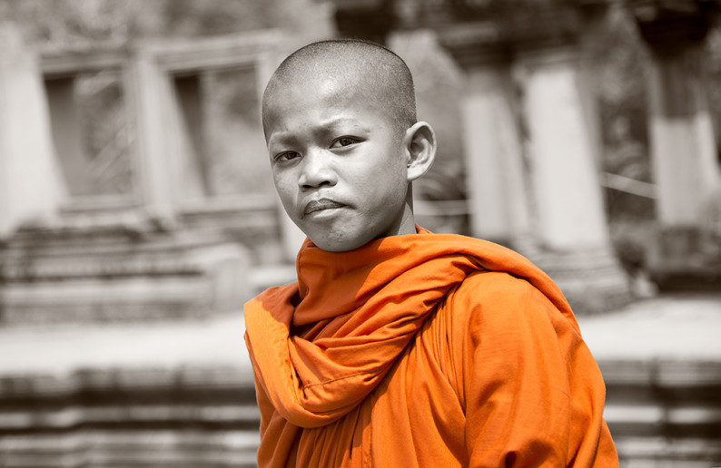 monk_in_cambodia-10