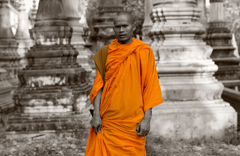 monk_in_cambodia-12