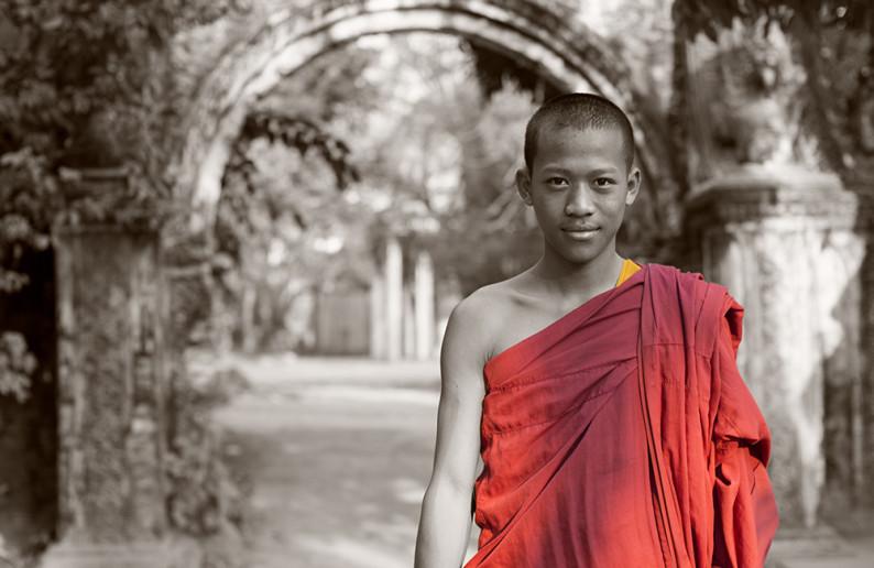 monk_in_cambodia-13
