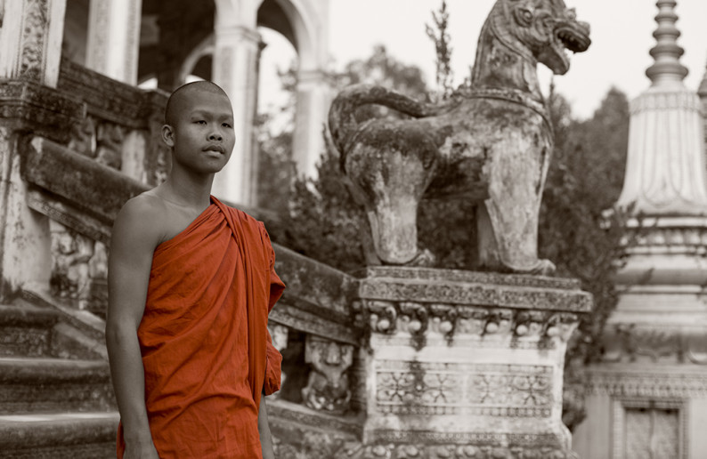 monk_in_cambodia-17