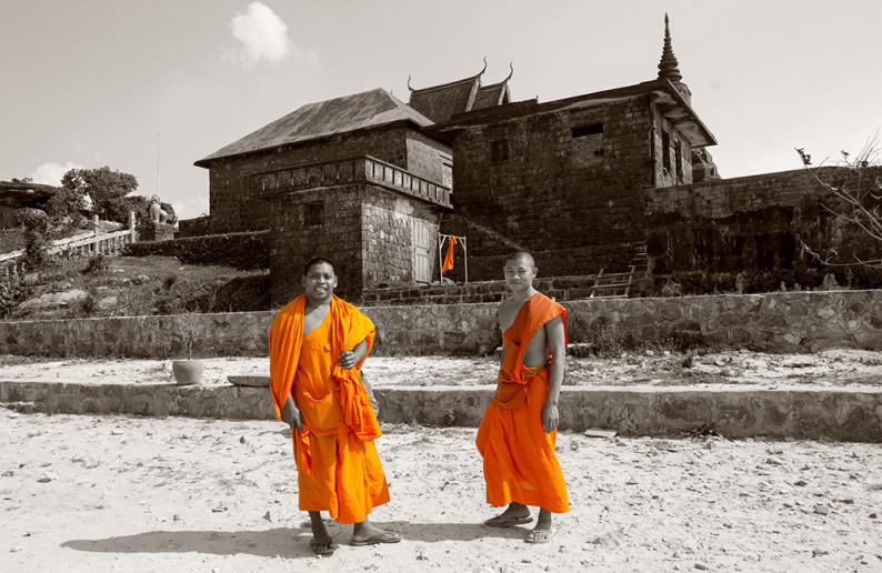 monk_in_cambodia-3