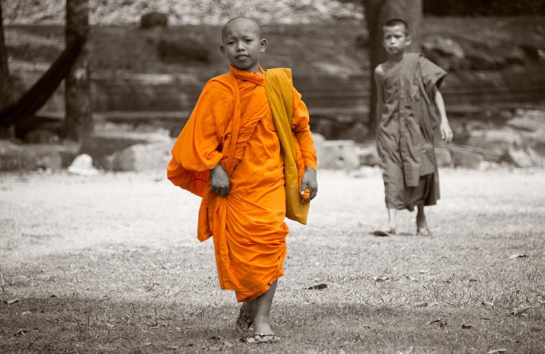 monk_in_cambodia-6
