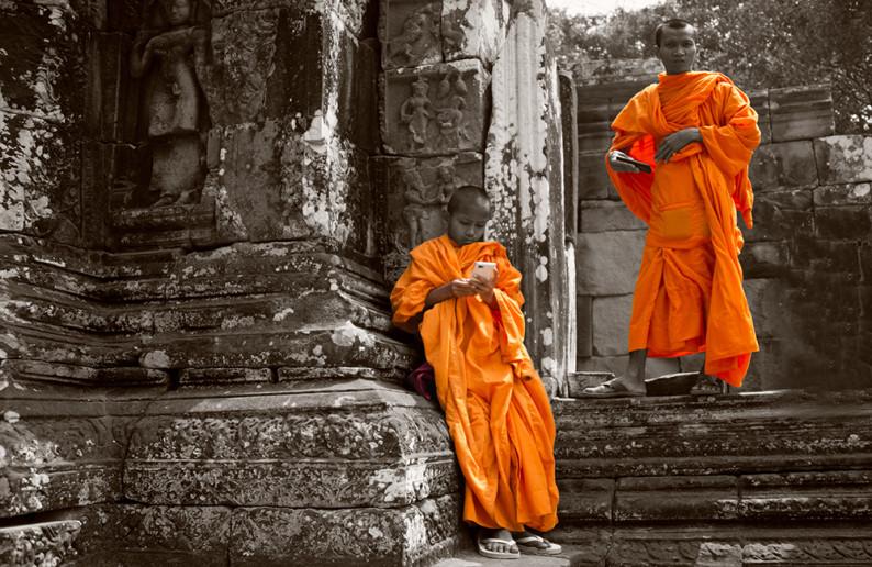 monk_in_cambodia-8