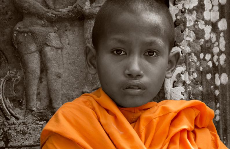 monk_in_cambodia-9