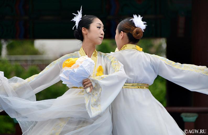 dancing_korea