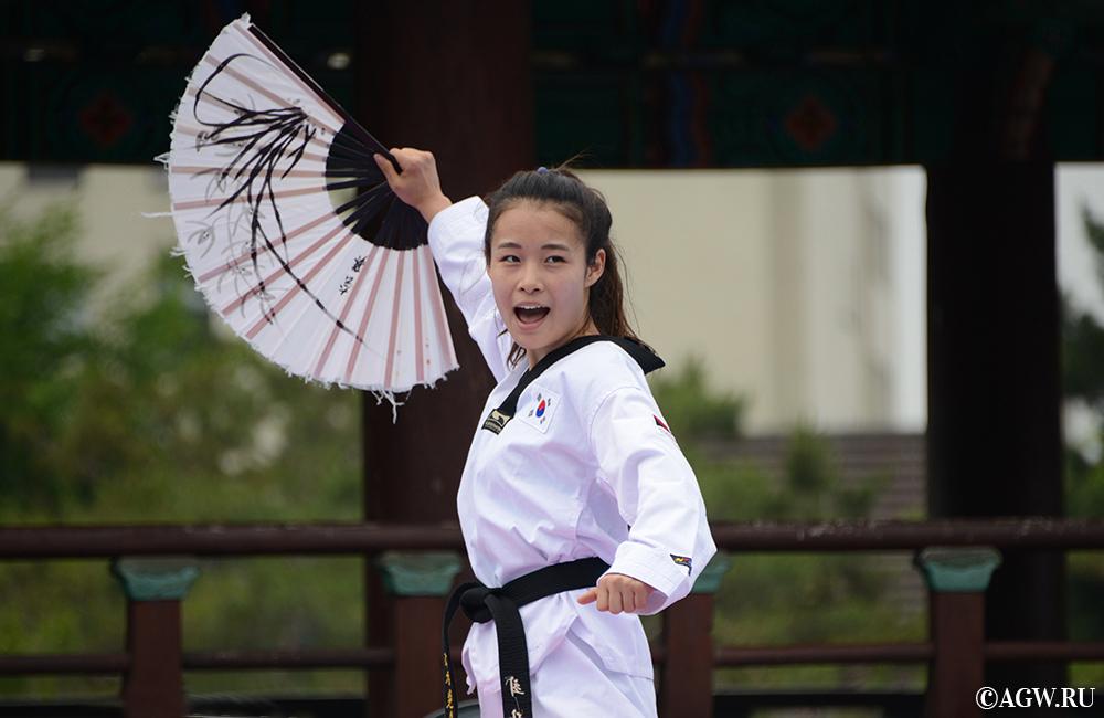 Корейские девушки могут за себя постоять