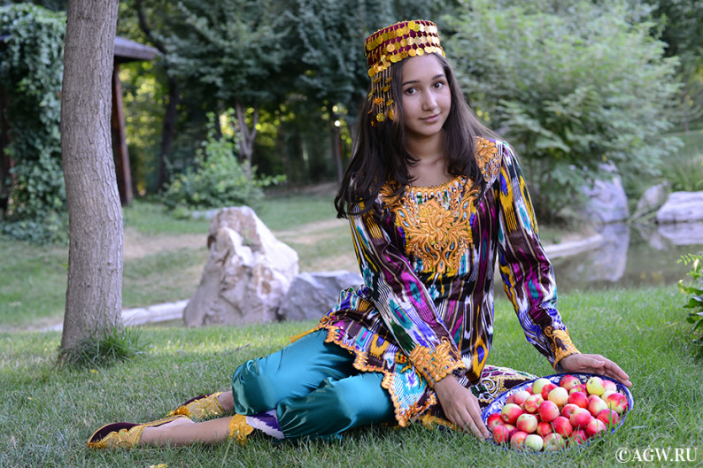 uzbekistan_fruits_apple
