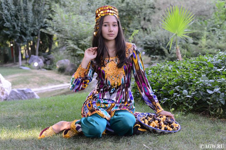 uzbekistan_fruits_cherry