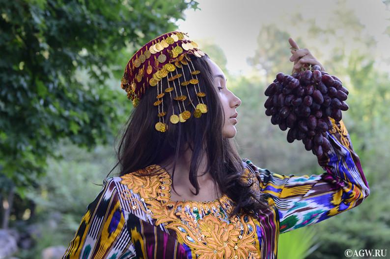 uzbekistan_fruits_grape