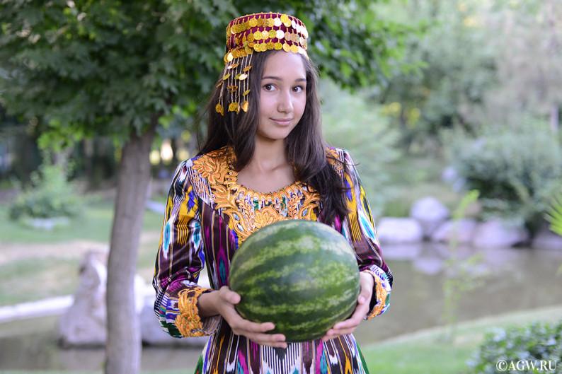 uzbekistan_fruits_melon