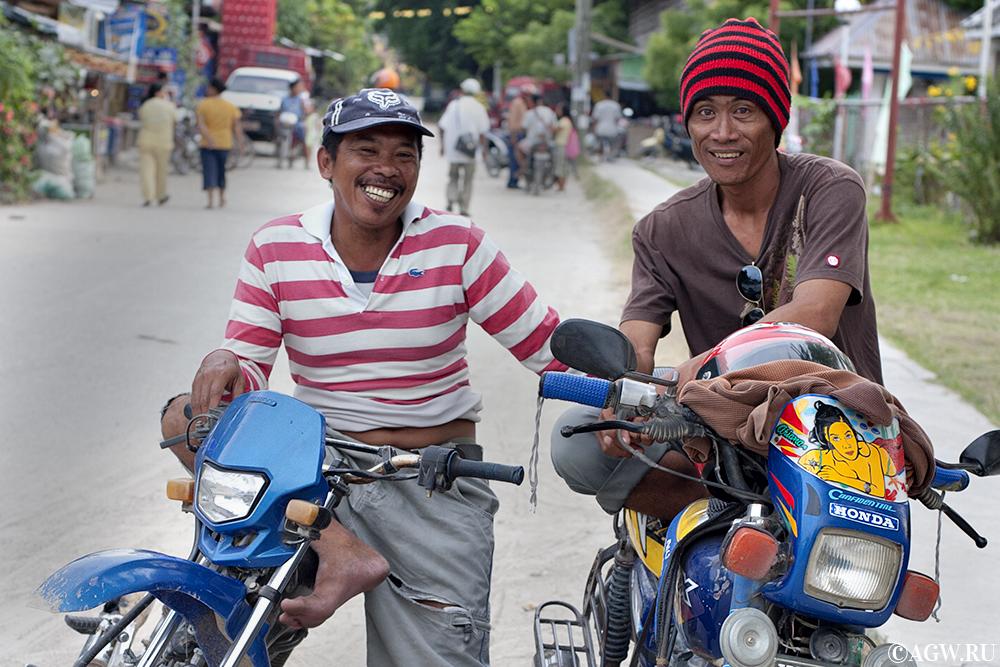 Мото-таксисты