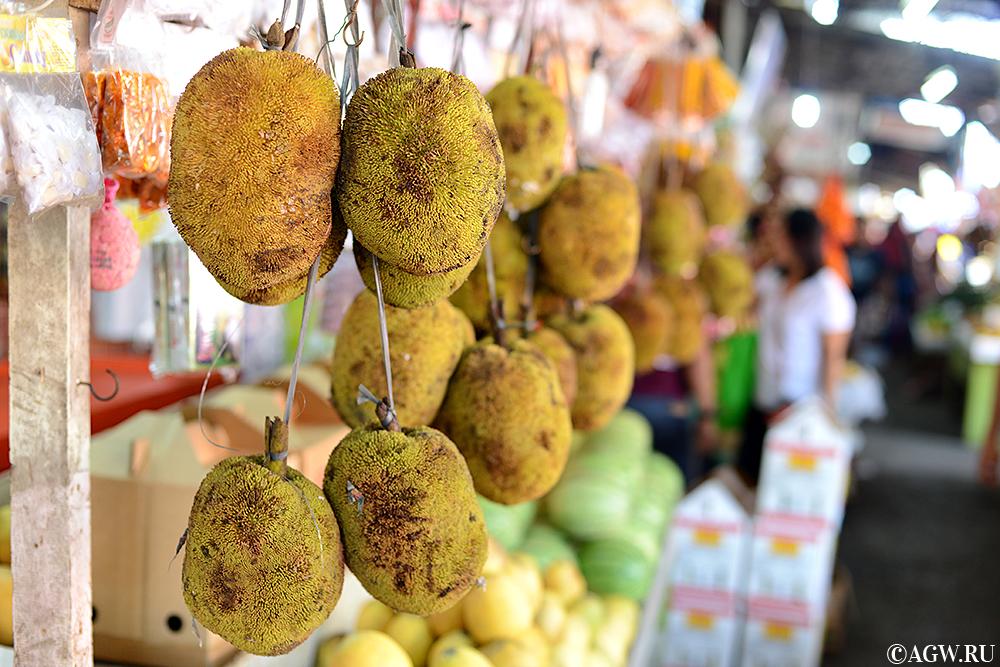 Маранги во фруктовой лавке в Давао, Филиппины.