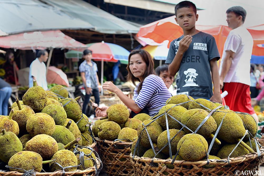 Свежие маранги на рынке на Филиппинах.
