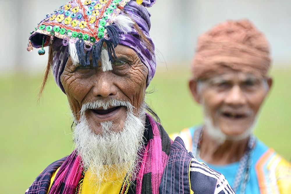 Этнические жители Давао на празднике Кадаяван.