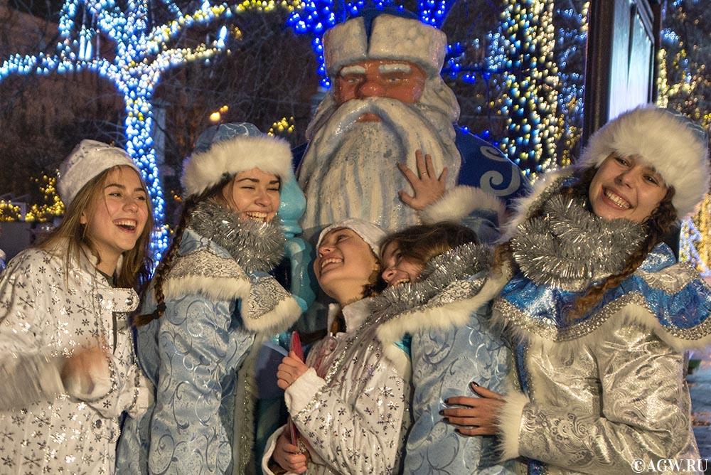 Дед Мороз и снегурочки!